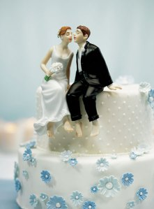 Off-topic: I LOVE cute wedding cake toppers!