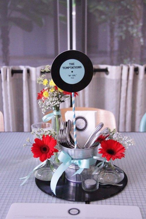 Vinyl Decoration Table : Vinyl record wedding we love laugh kiss