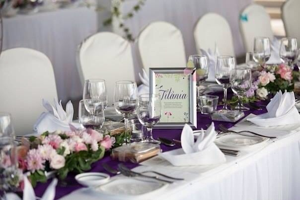 Flowers and butterflies wedding table decor
