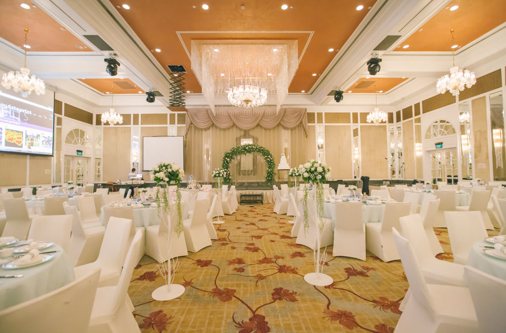 Real Weddings: W & P @ InterContinental Singaporewe . love ...