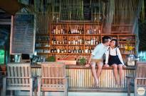 Yogi Bar, Nikoi Island