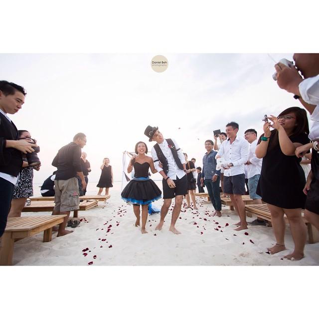 Nikoi Island: Beach Wedding Ben & Joy