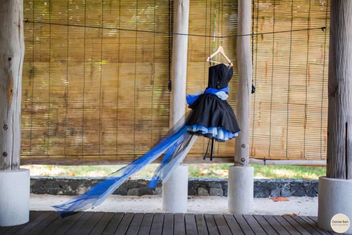 Nikoi Island Villa, Joy's dress