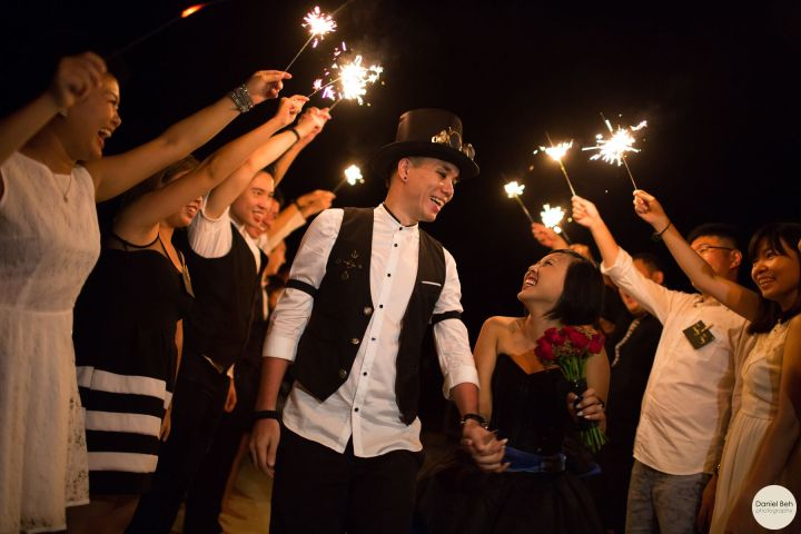 Nikoi Island: Sparkler Aisle