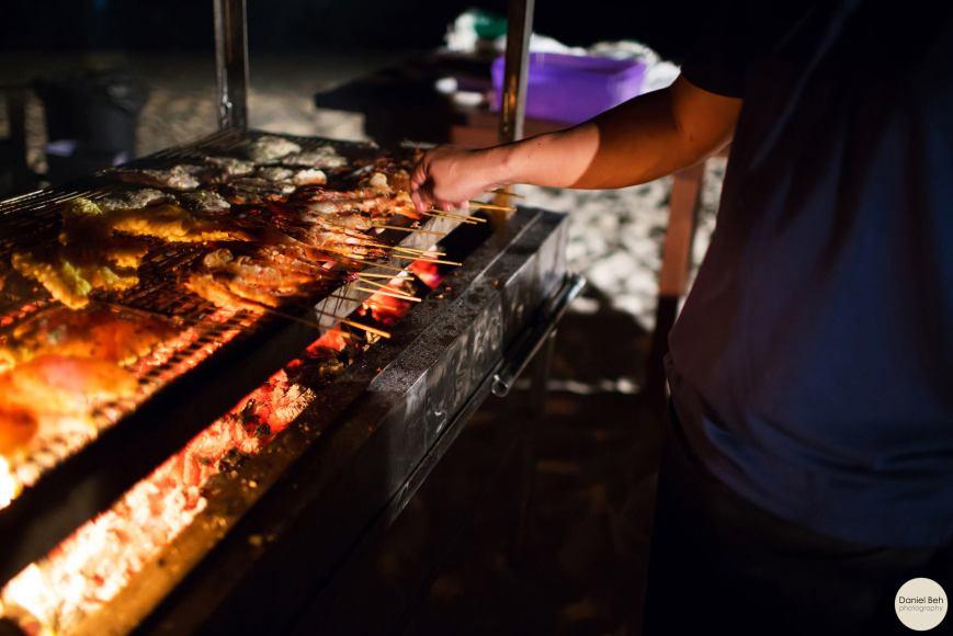 Nikoi Island: BBQ dinner