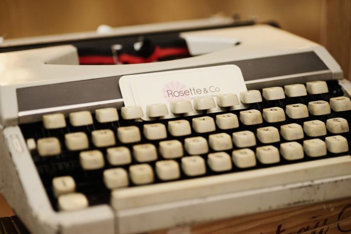 Typewriter on the photo gallery - Photo credit Light&Memories