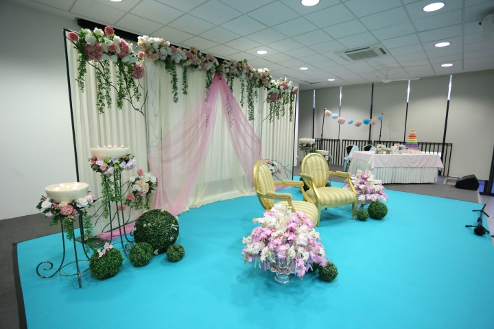 Stage decor: Dias, Couple Seats and Bridal table