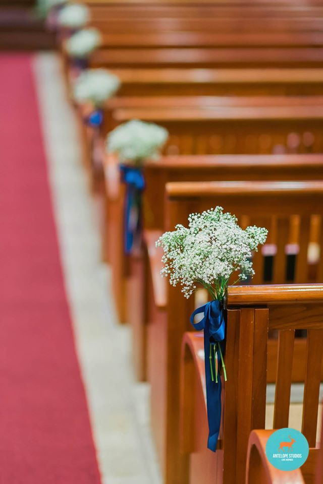 Thomson Road Baptist Church, Pews with baby's breath posies