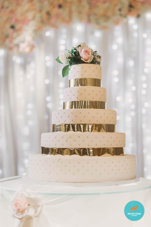 Fullerton Hotel, Cake