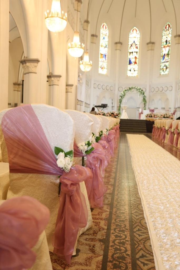 White rose posies, white rose carpet @ CHIJMES